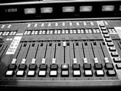042309-radio